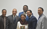 The 400 Foundation, Inc. honors Senator Montgomery with a Distinguished Leadership Award