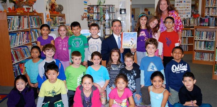 Senator Martins Participates In Manorhaven School Community Read